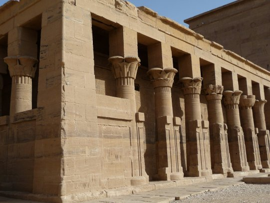 Temple_of_the_Goddess_Isis_at_Philae_-_panoramio_(4)