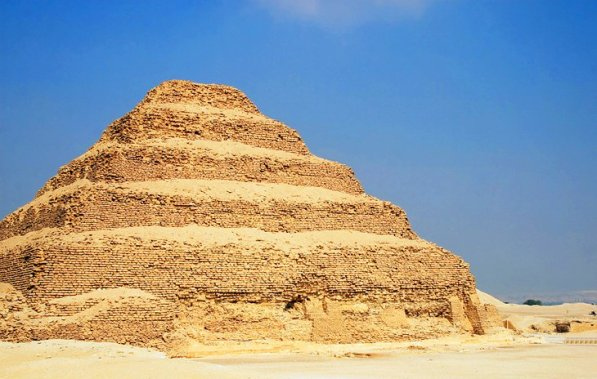egypt-saqqara-step-pyramid-of-djoser